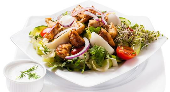 Grecka Salatka z Kurczakiem Start sa Atka z Kurczakiem